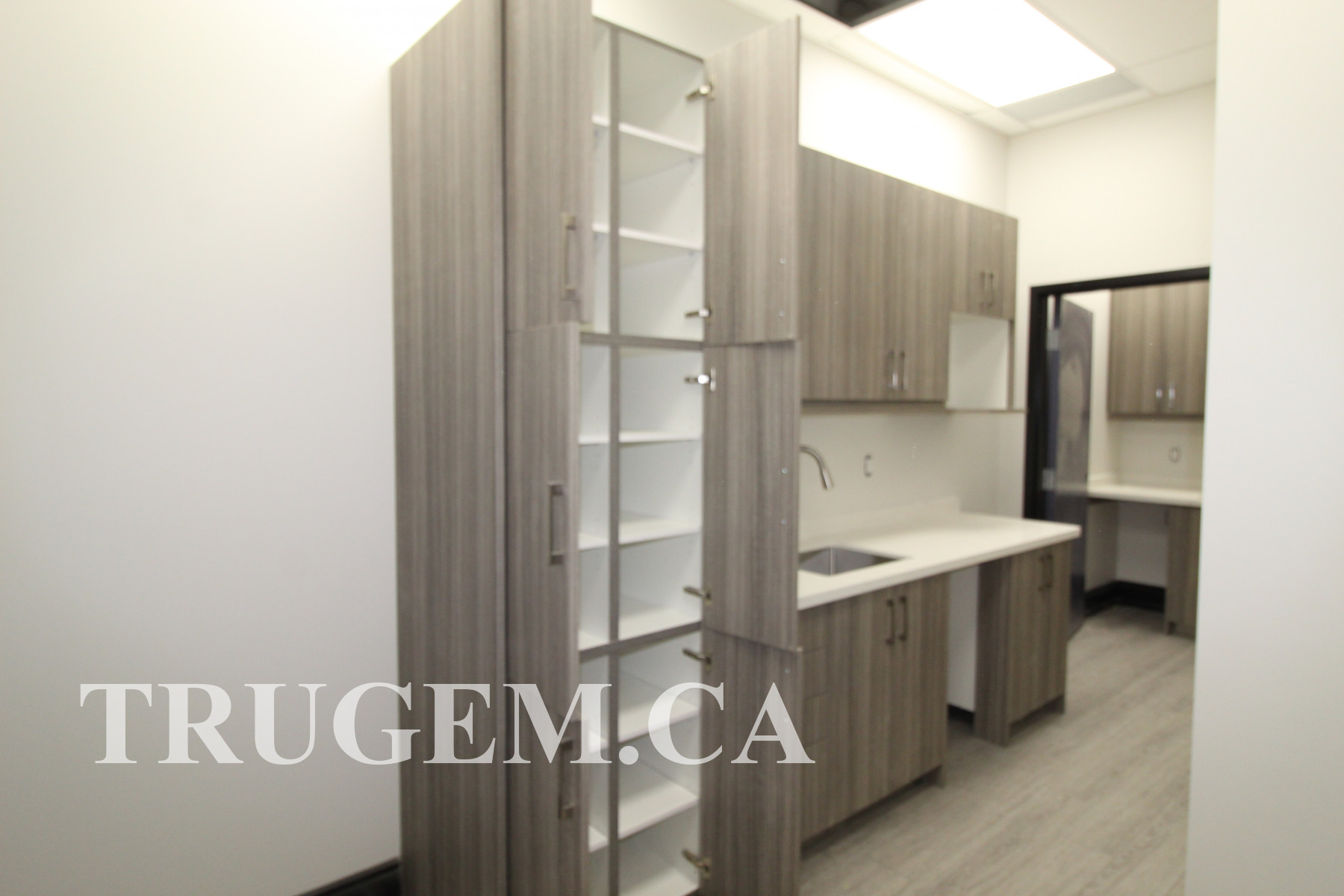 simple dental clinic cabinets
