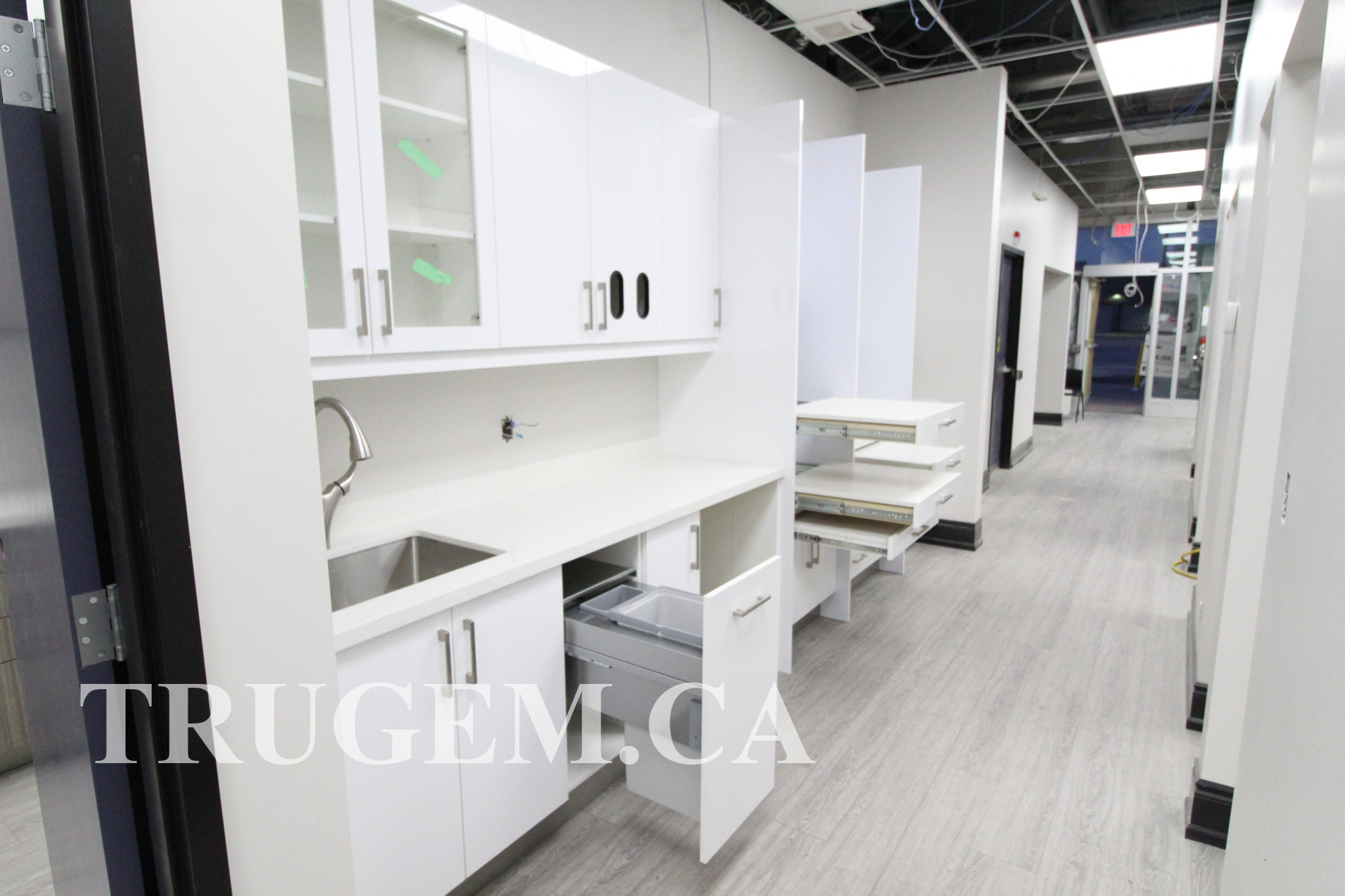 small dental clinic interior design