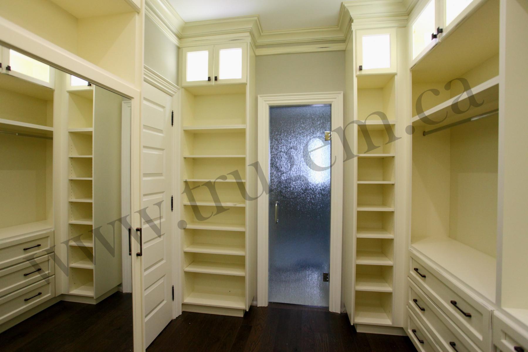 closet organizer shelves and drawers