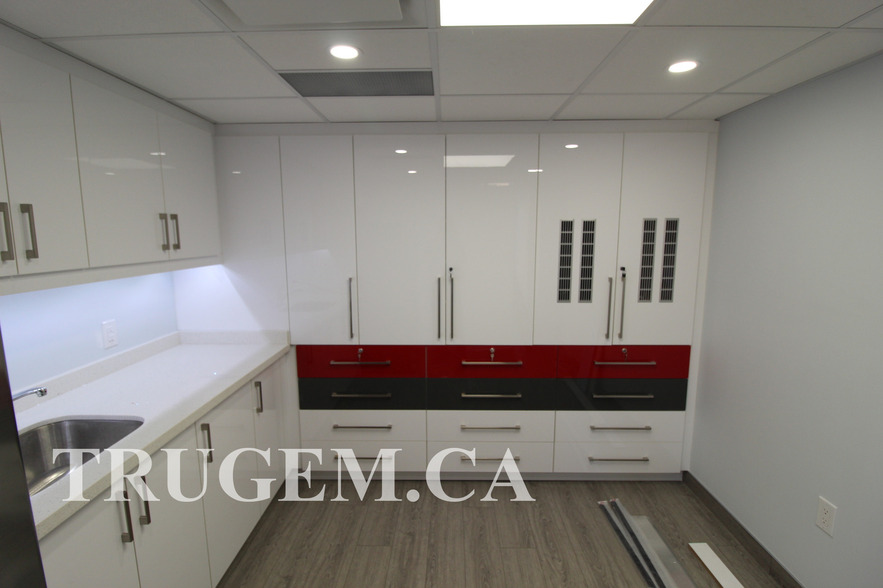 white gloss cabinet doors