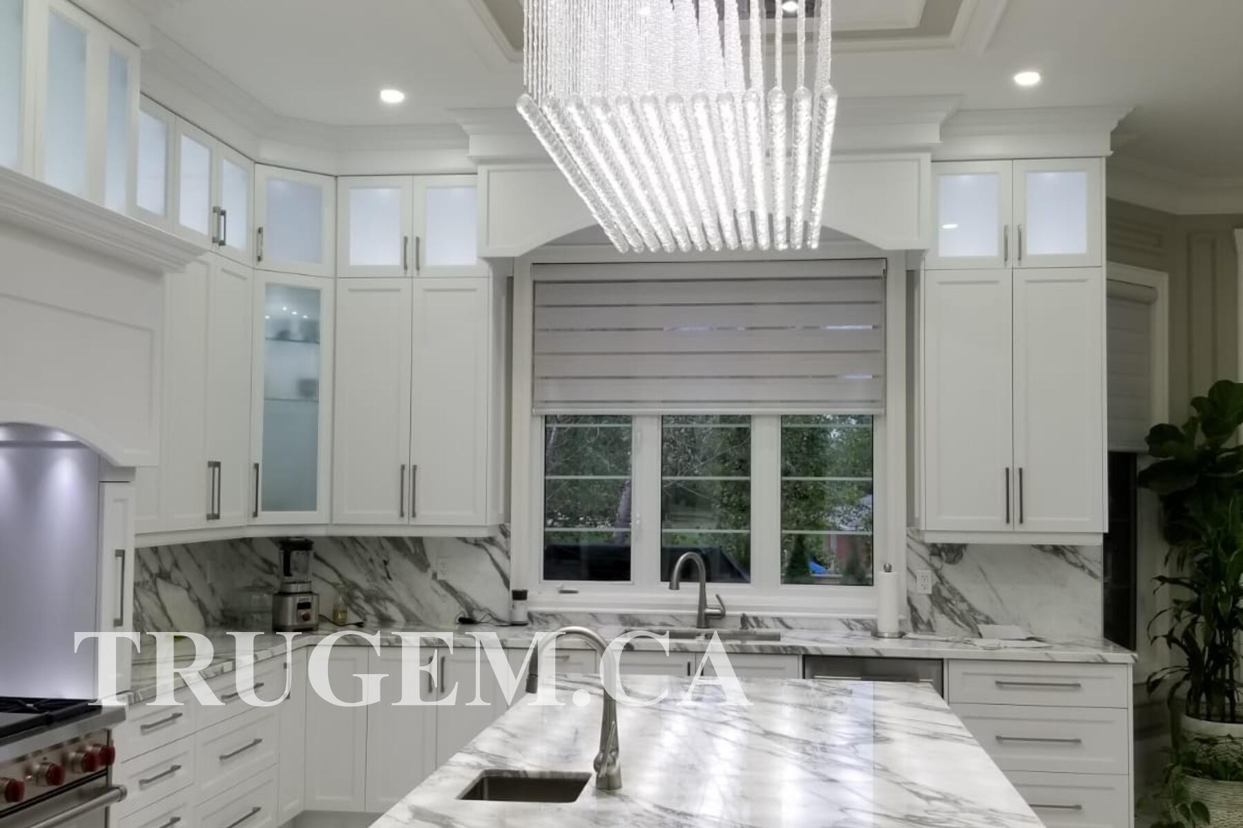 simple white classic kitchen cabinets
